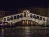 Die Rialto-Brücke über den Canale Grande