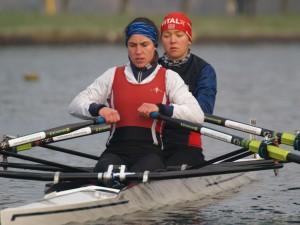 Sieg für Claudia Mack auf der ersten Kleinbootüberprüfung im Rudern