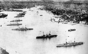 die Kaiserliche Flotte in der Kieler Förde