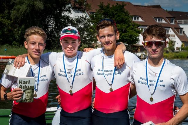 von links- Jonas Nigelgen, Melvin Müller-Ruchholtz, Malte Pelle Rietdorf, Malte Anton Koch